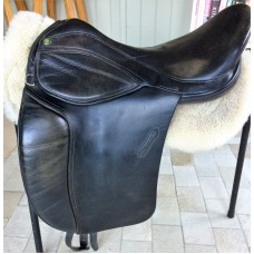 "Mondial Industries Holistic Supreme Flexion 17.5"" Treeless Dressage Saddle, Black"