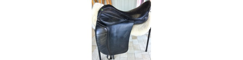 Mondial Industries Flexion Treeless Saddle