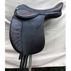 "Mondial Industries Holistic Supreme Flexion 18"" Treeless Working Hunter Saddle, Brown - SOLD"