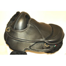 Torsion Close Contact Soft Treeless Saddle