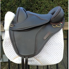 Torsion Endurance Treeless Saddle
