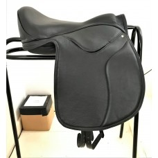 New Heather Moffett Vogue GPS Treeless Saddle, Black 17""
